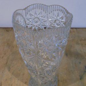 Grand vase en cristal taillé